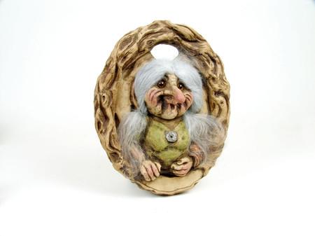 Die zufriedene Troll-Mutter 30cm