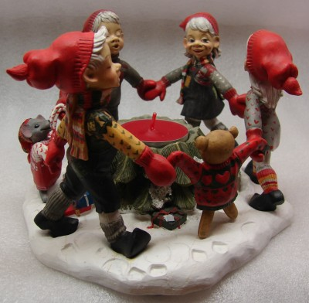 Nina, Erik, Sina und Lars, die 4 Sänger mit Weihnachtsmäuschen (Rechaudkerze) 17.5/11cm