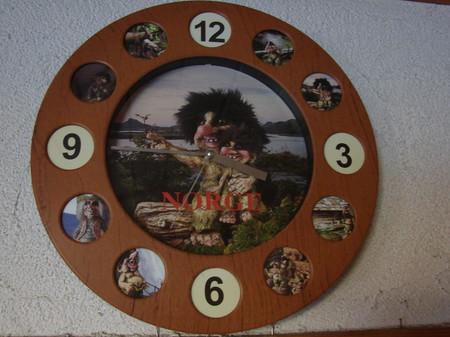 Troll Uhr 31,5cm durchmesser