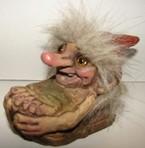 Troll Nikolaus auf Schlitten 8cm